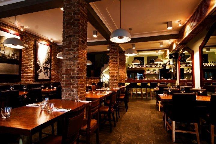 El Gaucho là nhà hàng Argentina nổi tiếng nhất về steak ở Sài Gòn