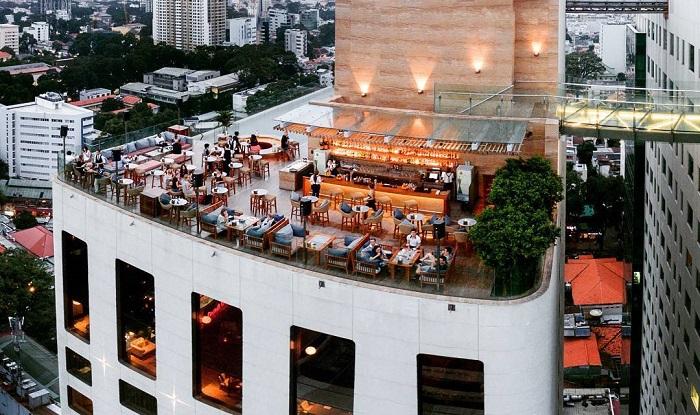 Social Club nằm tại tầng 23 của khách sạn MGallery sang chảnh ở Sài Gòn