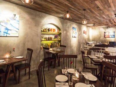 Không gian Nossa Steakhouse với tông màu nhã nhặn tạo cảm giác ấm cúng cho thực khách